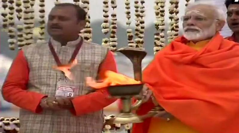 Following aarti, PM Modi attended Swachh Kumbh Swachh Seva at Prayagraj. (Photo: ANI)