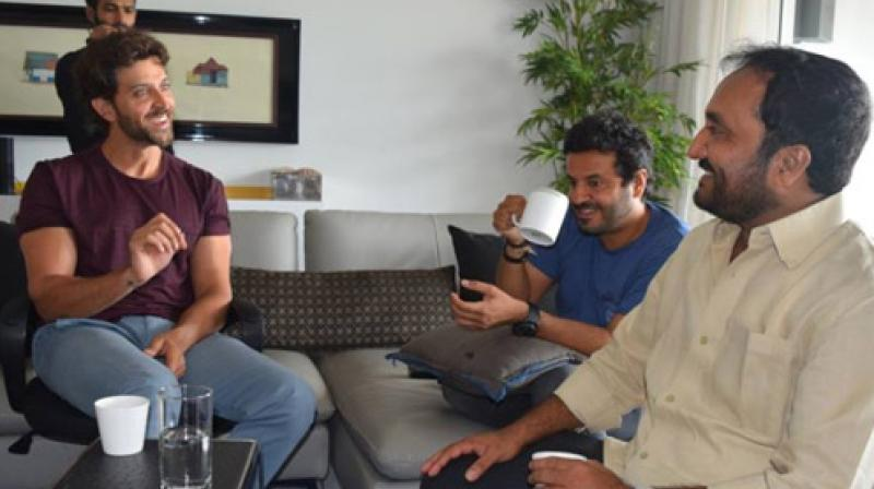 Hrithik Roshan with Vikas Bahl and Anand Kumar.