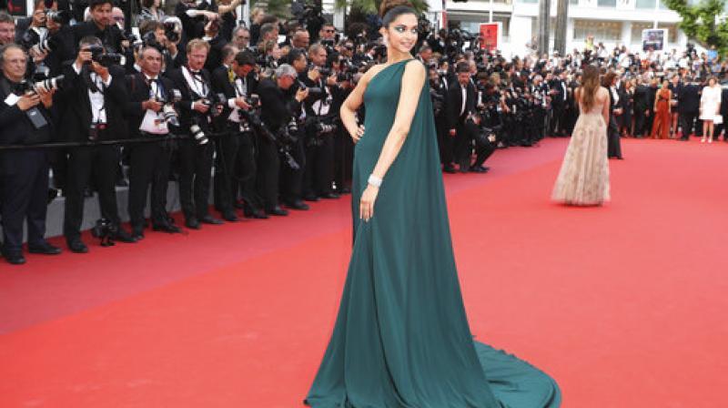 Cannes film festival 2017 deepika padukone dazzles on day 2 - Date festival de cannes ...