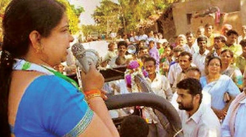 Ramanagara JD(S) candidate Anitha Kumaraswamy at an election meeting.