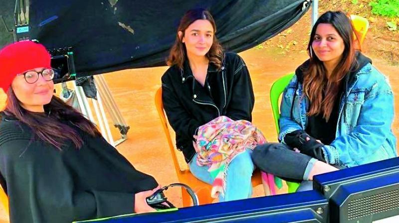 Pooja Bhatt, Alia Bhatt Bhatt and Shaheen Bhatt on the sets of Sadak 2.