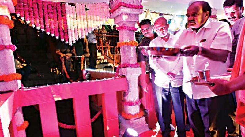CM H.D. Kumaraswamy inaugurates Thonnur Lake festival at Pandavapura near Mandya on Friday – KPN