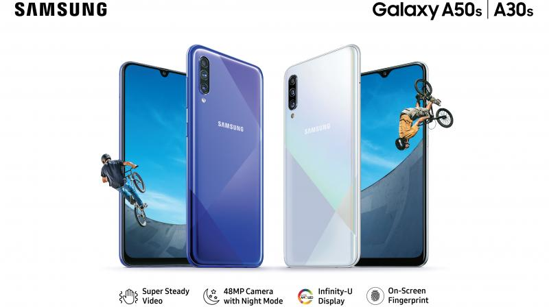 Both phones have unique geometric patterns and a holographic effect on the back and come in three colours- Prism Crush Black, Prism Crush White and 'Prism Crush Violet'.