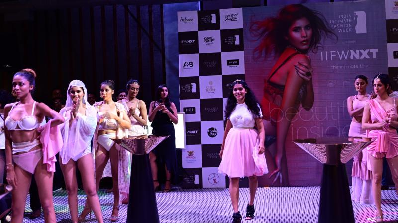 (Centre)Designer Simran Dhond along with models wearing her collection Kaafi Amorous- Lingerie and Sleepwear. (Photo: File)