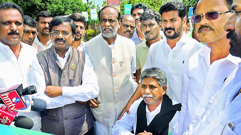 Several political leaders, including BJP state president Dr. K. Laxman, MRPS leader Manda Krishna Madiga and Congress working president A. Revanth Reddy, along with TSRTC JAC leader Aswatham Reddy visit DRDO-Appollo Hospitall in Hyderabad on Sunday.   — P.Surendra