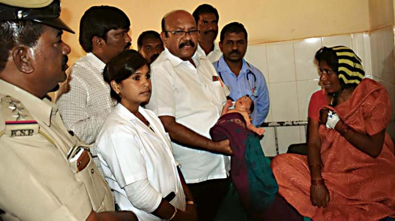 Yashoda, who abandoned her baby due to poverty was promised governmental help by Chicholi MLA Dr Umesh Jadhava  (Photo: DC)