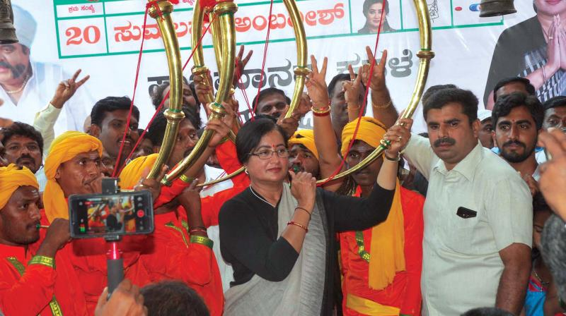 Mandya independent candidate Sumalatha Ambareesh at an election rally in the constituency on Sunday. (Photo: DC)