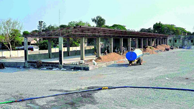 The works of mini bus station underway in Guntur. (Photo: DC)