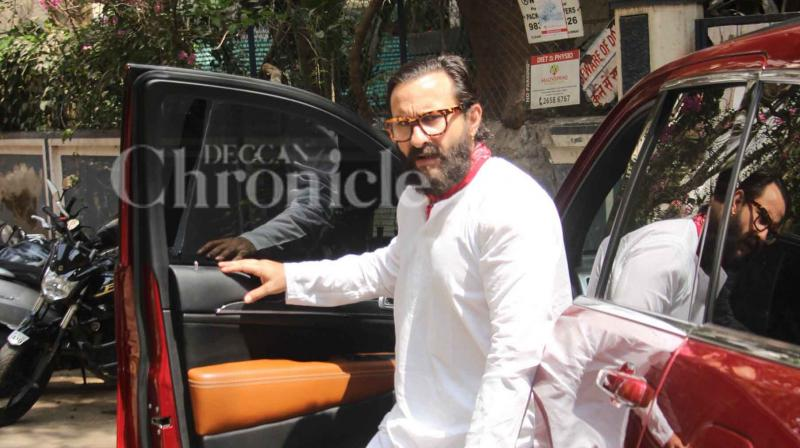 Saif Ali Khan was spotted in Mumbai post his hearing on the blackbuck case in Jodhpur. (Photo: Viral Bhayani)