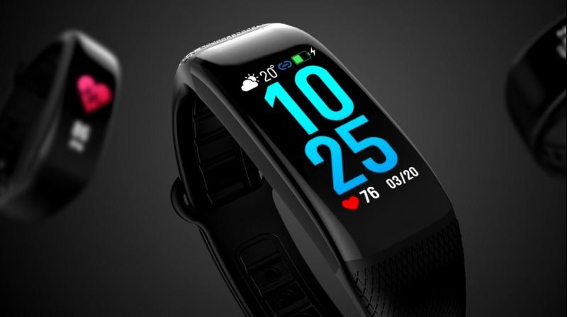 It is an IP67 waterproof smart fitband and sports an easy plugging and charging, and also features heart monitor, calorie monitor and message alert.