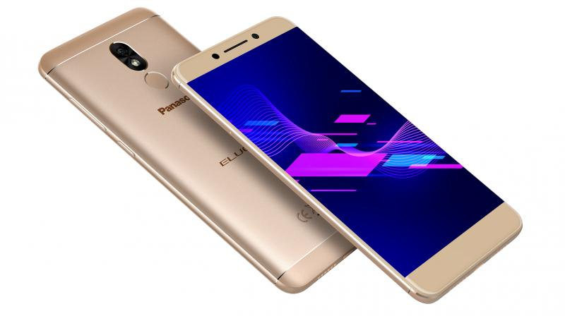 The Eluga Ray 800 is powered by Android 7.0 OS, which helps one to multitask.