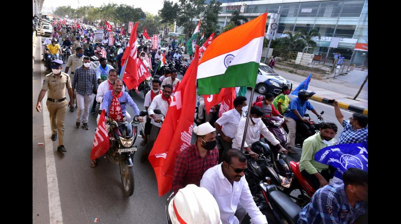 Left parties hold farmer rallies with tractors