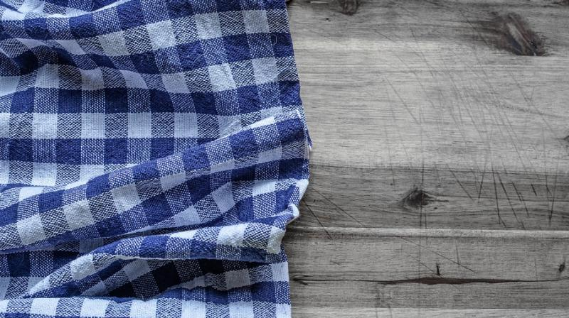 Kitchen towels can pose to at a risk of food poisoning