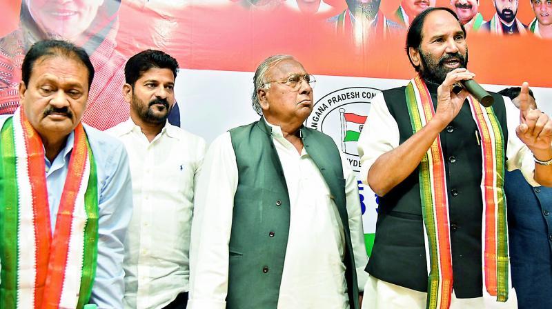 TPCC chief and MP N. Uttam Kumar Reddy Address a press conference at Gandhi Bhavan in Hyderabad on Sunday. EX MP V. Hanumantha Rao is also seen. (Photo: DC)