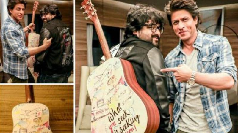 Guitar painted with the film Jab Harry Met Sejal's tagline.