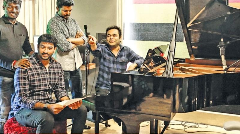 Bigil 1st Track Verithanam Sings By Thalapathy Vijay