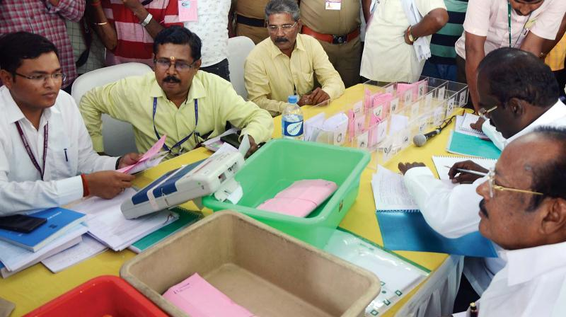 Vote counting for the Coimbatore Parliamentary Constituency underway at  Government College of Technology on Thursday. 	—DC