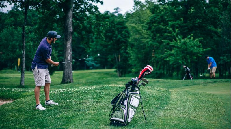 Experts explain why golf is good for your body. (Photo: Pexels)