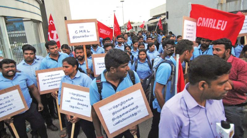 Employees stage protest infront of MD's office in Koyambedu. (Photo: DC)