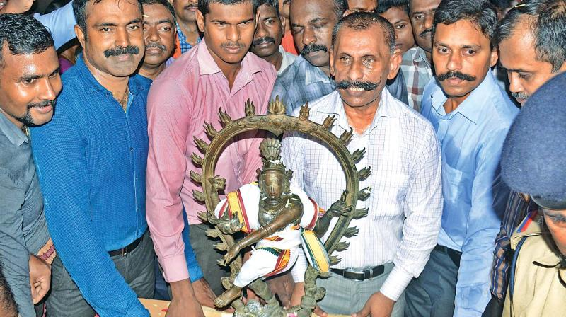 The panchaloha idol, weighing 100 kgs and standing 2.5 feet tall is said to be worth about Rs 30 crore in the international antiques market.