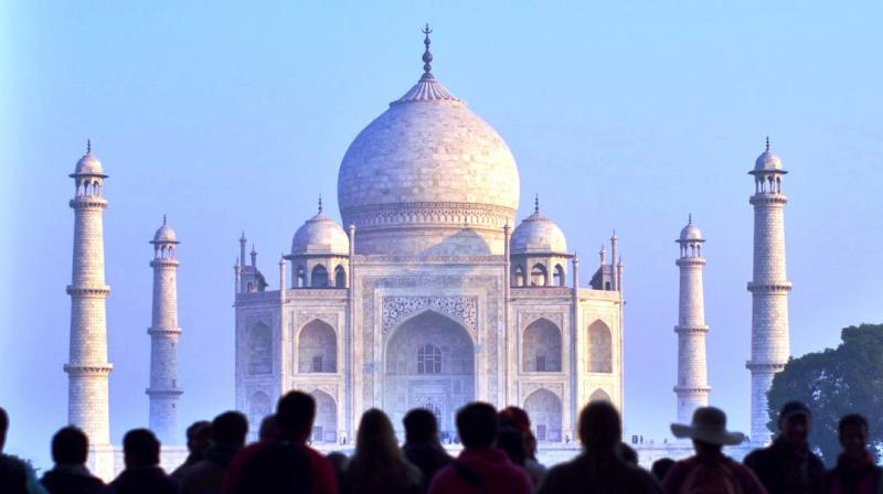 The 'Urs' is the only time of the year when everyone can see the original graves of Shah Jahan and Mumtaz located in an underground chamber. (Photo: Representational/Pexels)