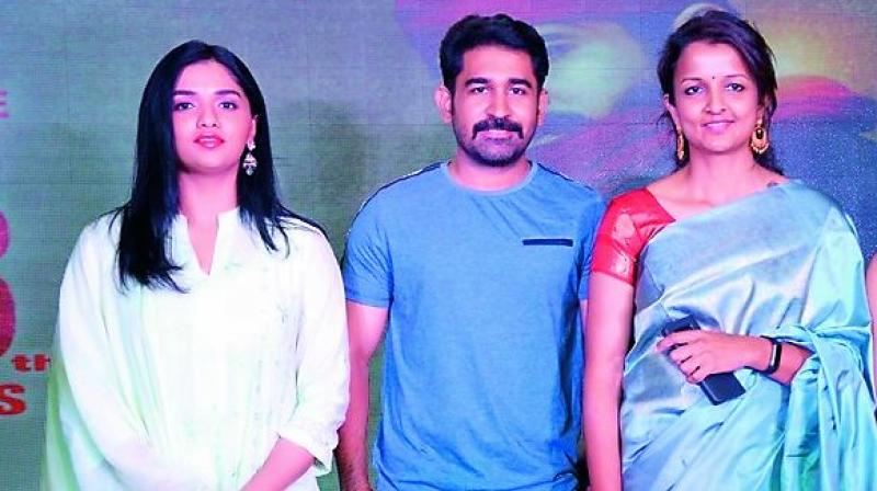 Popular Tamil actor Vijay Antony, who is known to Telugu audience for his films Bichagadu and Saleem, will soon be seen in the film Kaasi directed by Kruthika.