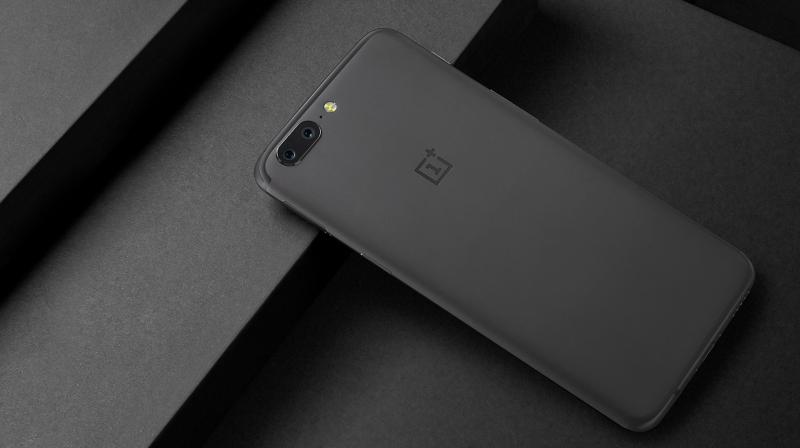 "The phone is touted as the ""slimmest OnePlus flagship ever"" with 154.2x74.1x7.25mm in measurement."