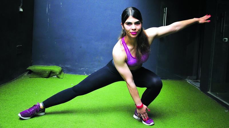 Alternating Side Lunge Touch.