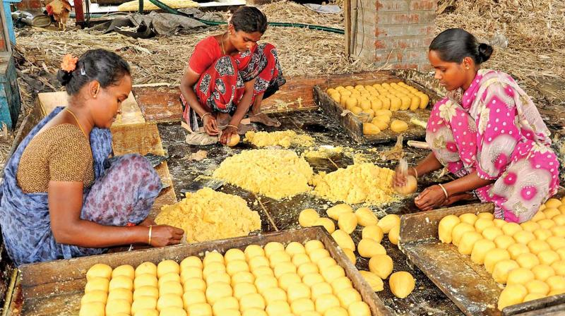 Farmers have urged the state government to include jaggery in Pongal gift.