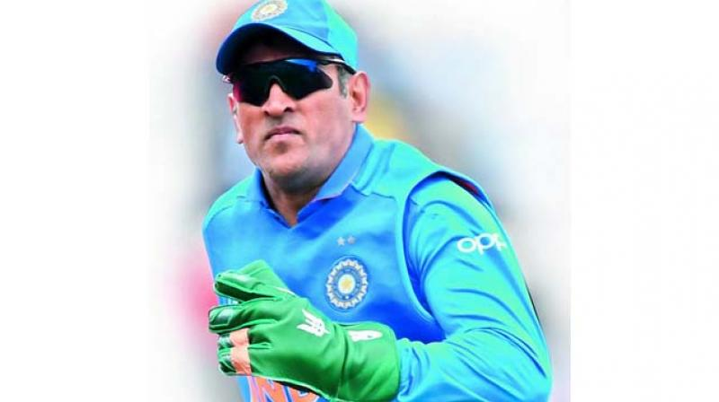 M.S. Dhoni sporting the 'Balidan' badge on his gloves many felt, 'he had erred in judgement'.