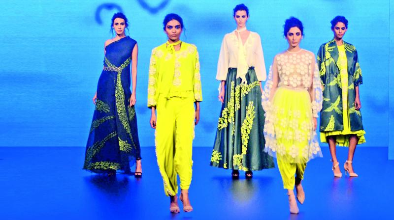 The collection Away by Urvashi Joneja, was about breaking the glass ceiling. Tiny fragments of graphics depicted the breakthrough and came together to form a flying bird.