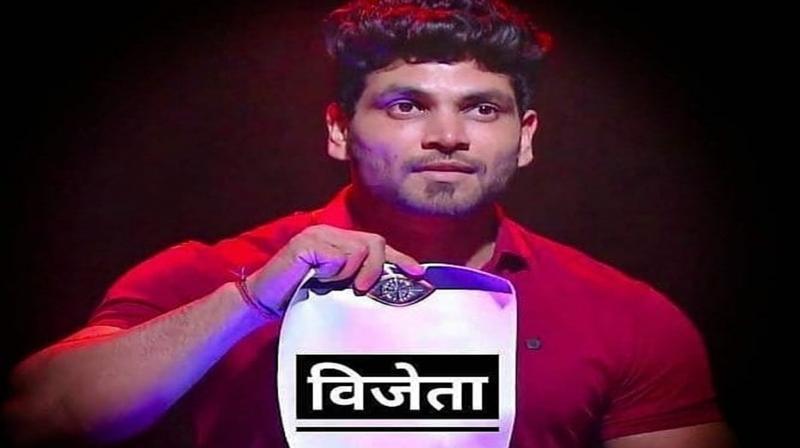 Shiv Thakare bags Bigg Boss Marathi 2 trophy, wins this much