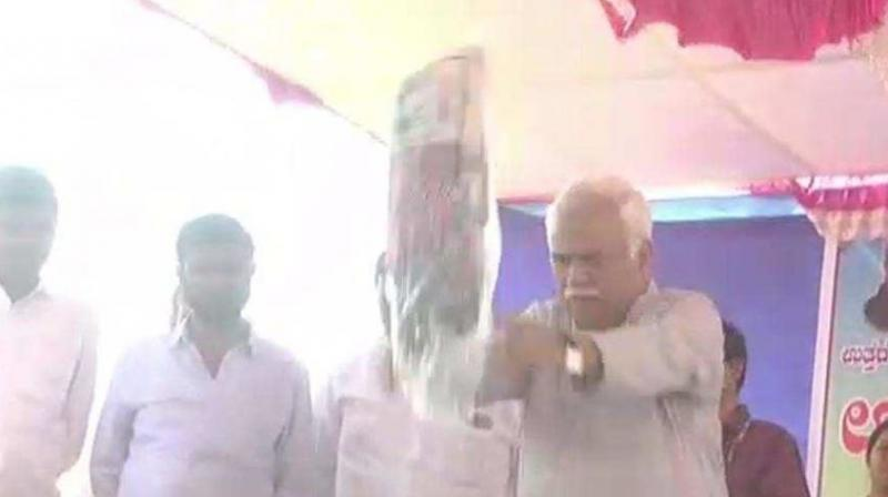 After the inauguration, speeches by the guests, the minister began distributing the kits. As the list of the beneficiaries was long, and they took time to reach the stage, Deshpande decided to fling the kits. (Photo: ANI video | Screengrab)