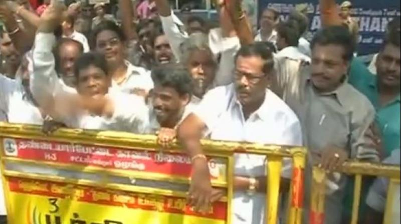 After protest by pro-Tamil group, Rajinikanth's fans carry out
