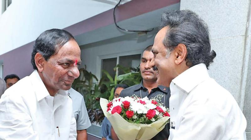 Telangana Chief Minister K. Chandrasekhar Rao and DMK president M.K.Stalin greeting each other. (Photo: DC)