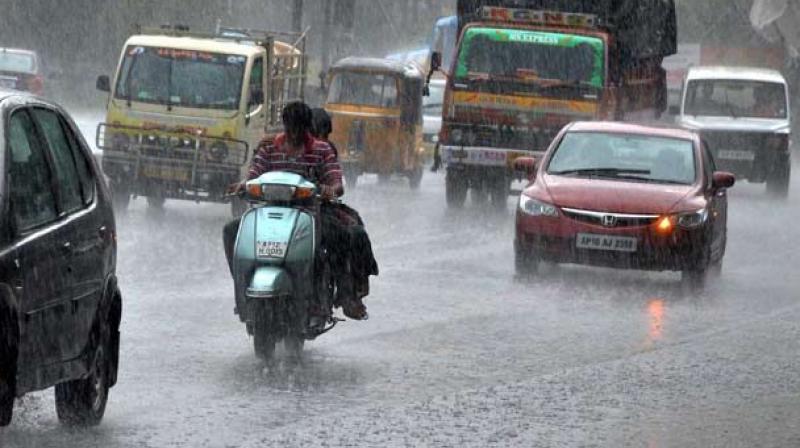 Meanwhile, Chennai and its suburbs received rainfall disrupting normal life. Mahabalipuram, Uthiramerur, Chengalpet and Maduranthagam in Kancheepuram district received good rainfall.