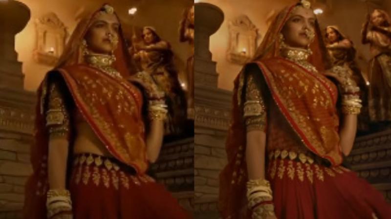 Deepika Padukone in both the versions of 'Ghoomar' song.