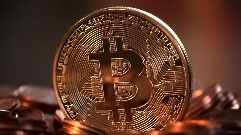 Bitcoin hits 4-month low after currency exchange theft
