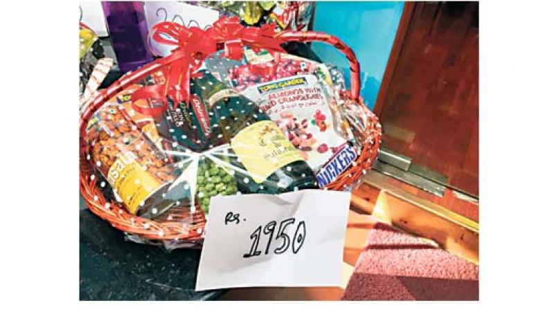 A hamper with gourmet treats is the best gift option for your loved ones this Diwali