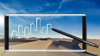 """At an event in New York City, Samsung gave its stalwarts the big-screened """"phablet"""" Galaxy Note 8, along with an S Pen."""