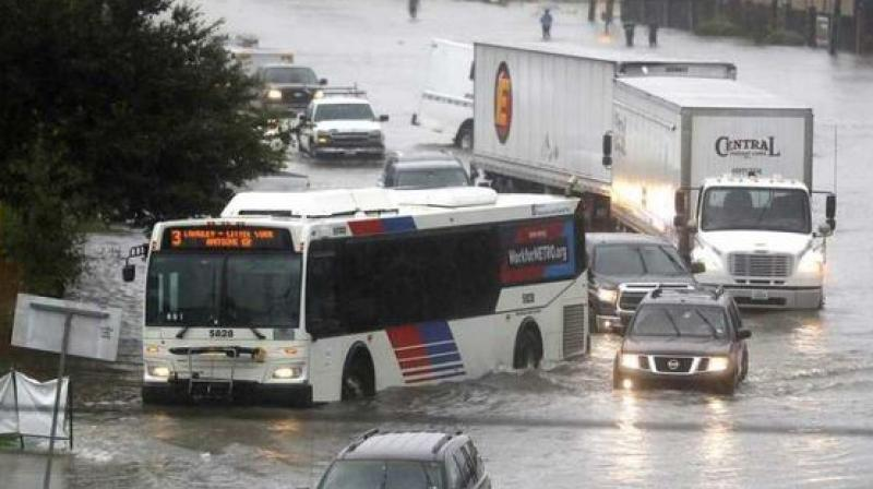 The National Weather Service said the rainfall was winding down in areas that had been hit the hardest, but some parts of Fort Bend, Harris and Galveston counties were seeing additional 2 to 3 inches of rainfall every hour. (Photo: AP)