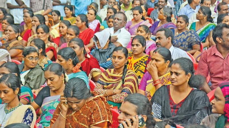 Despite appeals by the government, the unions refused to compromise on wage revision and clearance of dues.