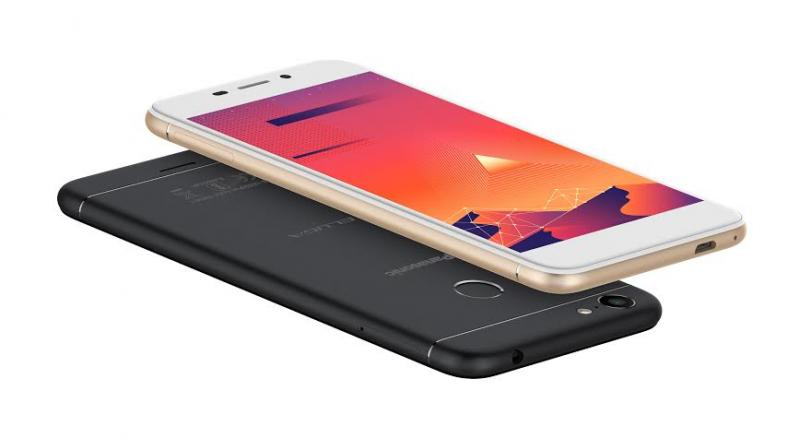 Sporting a full metal body, the 7.5mm thick Eluga I5 draws power from a 2500mAh battery and has a fingerprint sensor for added security, which also allows you to scroll through pages and apps.