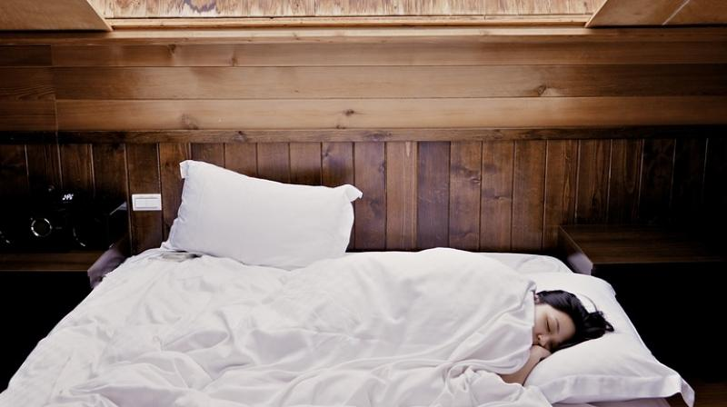 Expert explains sleep quality can improve by have no didgital devices around. (Photo: Pixabay)