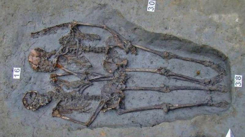 The scientists said it was impossible to determine the sexual orientation of the two skeletons. They could have been friends, brothers, or war comrades. (Photo: Twitter )