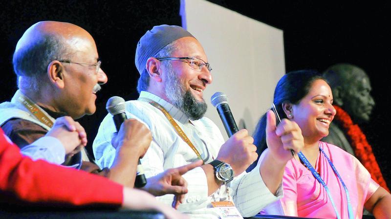 Kalvakuntla Kavitha, Asaduddin Owaisi bat for youth quota in