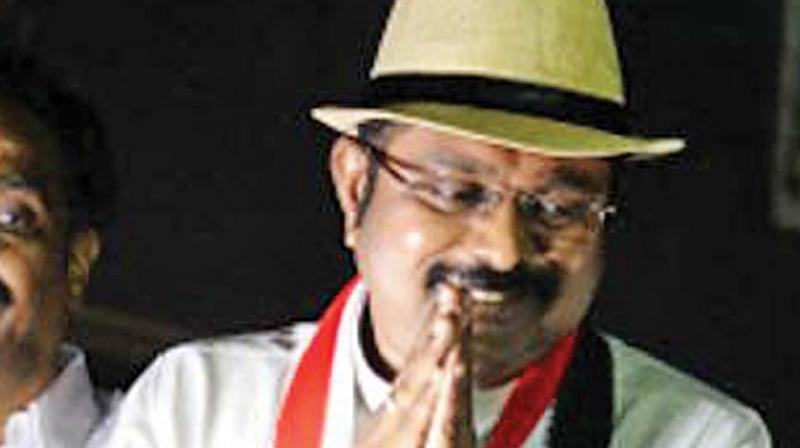 Dhinakaran puts on a fearless face, says will contest RK Nagar bypoll