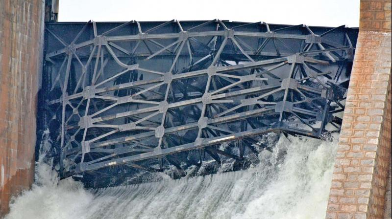 Water gushing out of main gate numbers one and five  in KRP dam. (Photo: DC)
