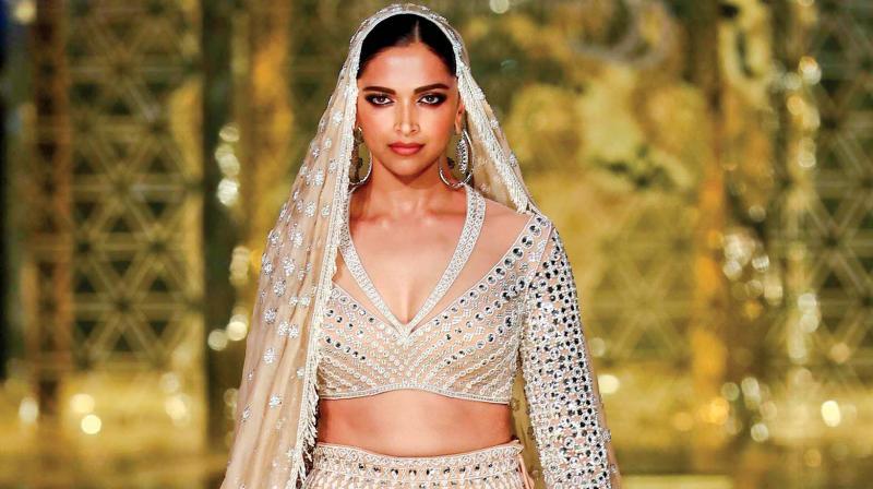Deepika Padukone in Abu Jani Sandeep Khosla outfit