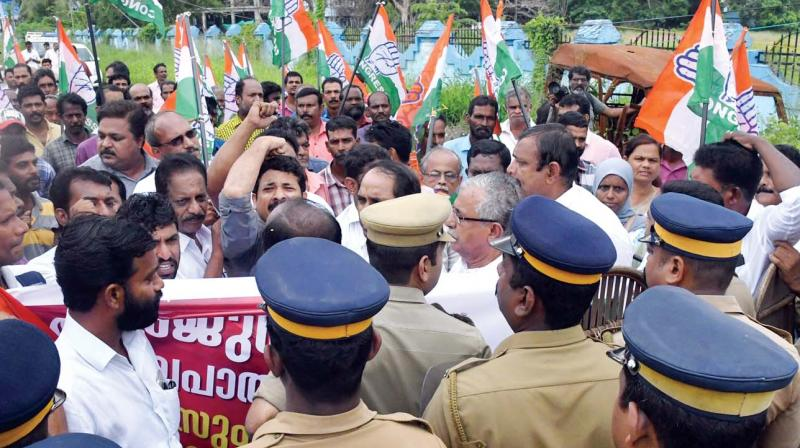 Congress workers take out a march to Panangad police station against police laxity in Arjun murder case, in Kochi on Friday.  (Photo: DC)